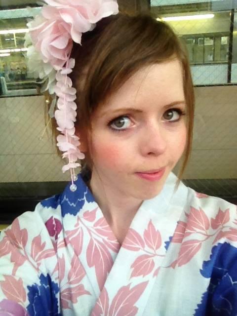 KanadaJin3 Mira in Japan Kimono